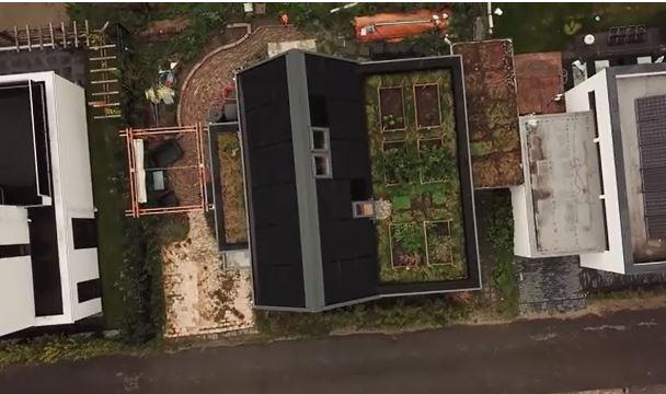 Drone filmt Active House-woning Bas Hasselaar